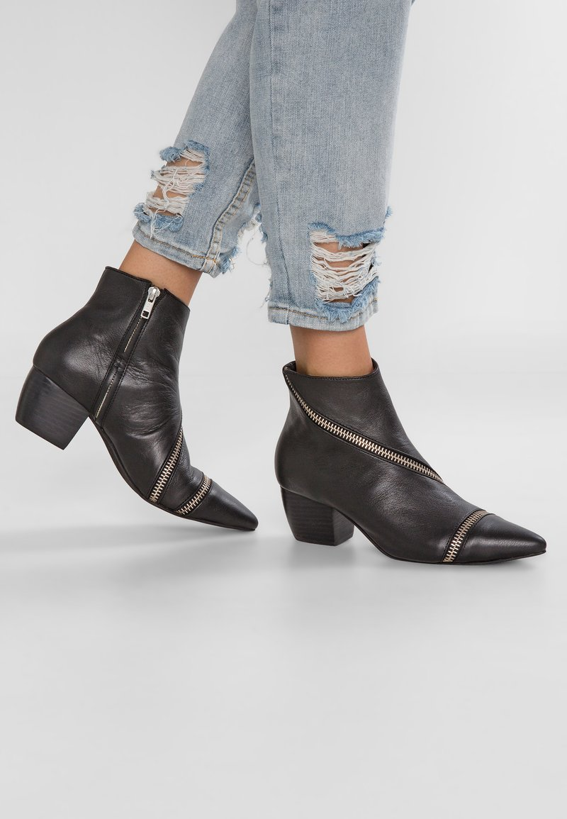 Sol Sana - DIEGO  - Ankle boots - black