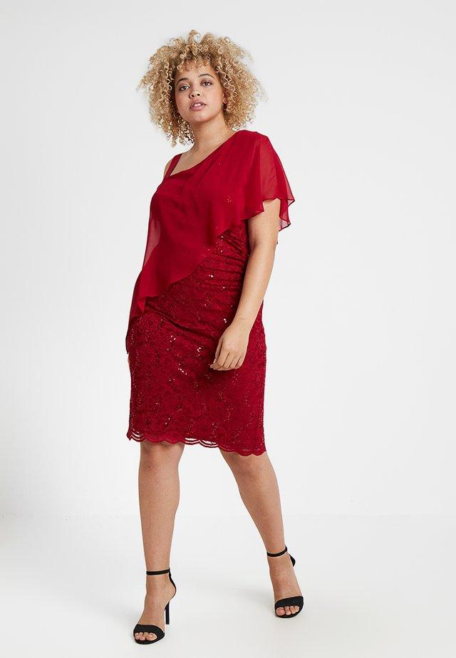 EXCLUSIVE SWING ONE SHOULDER OVERLAY DRESS - Cocktailkjole - dark red
