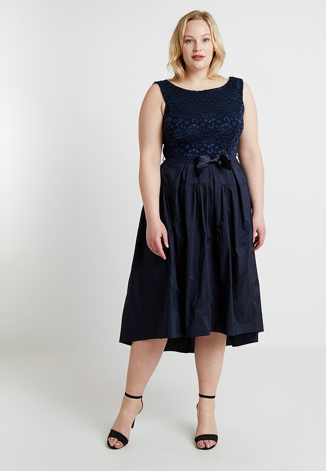 EXCLUSIVE SWING CURVE MIDI DRESS - Cocktail dress / Party dress - navy