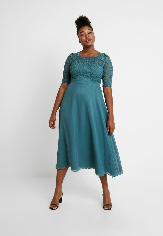 Společenské šaty - sage