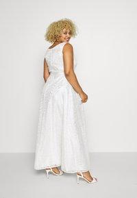 Swing Curve - BRIDAL DRESS - Vestido de fiesta - cremeweiss - 2