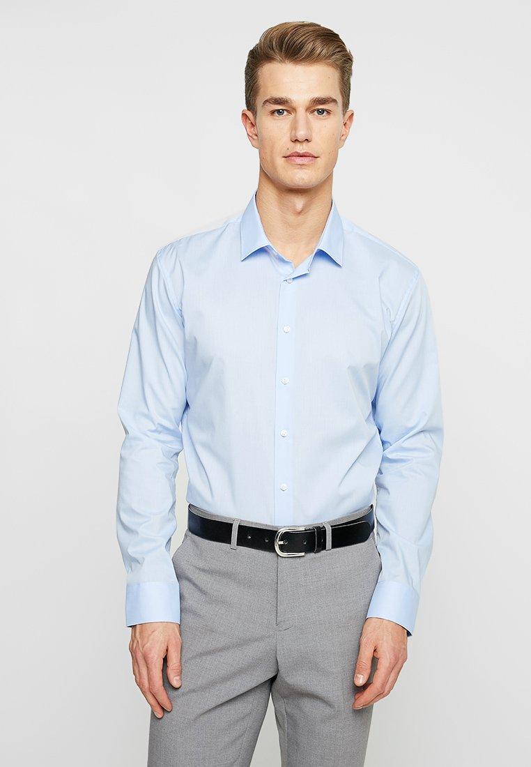 Seidensticker - MODERN KENT X SLIM - Camisa elegante - hellblau