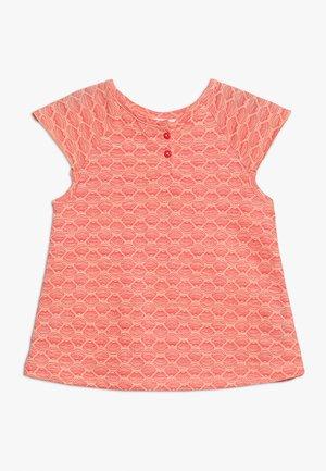 LULU BABY BUTTERFLY - Print T-shirt - orange