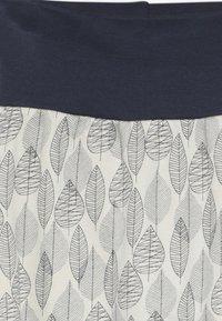Sense Organics - SJORS BABY PANT - Pantaloni - aop leaves - 4