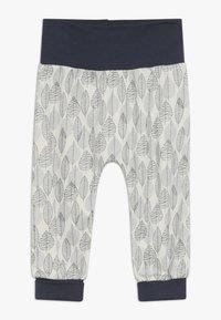 Sense Organics - SJORS BABY PANT - Pantaloni - aop leaves - 0