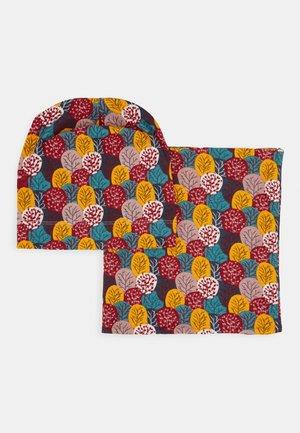 KAI HAT + SUSU ROUND SCARF SET - Berretto - multi-coloured