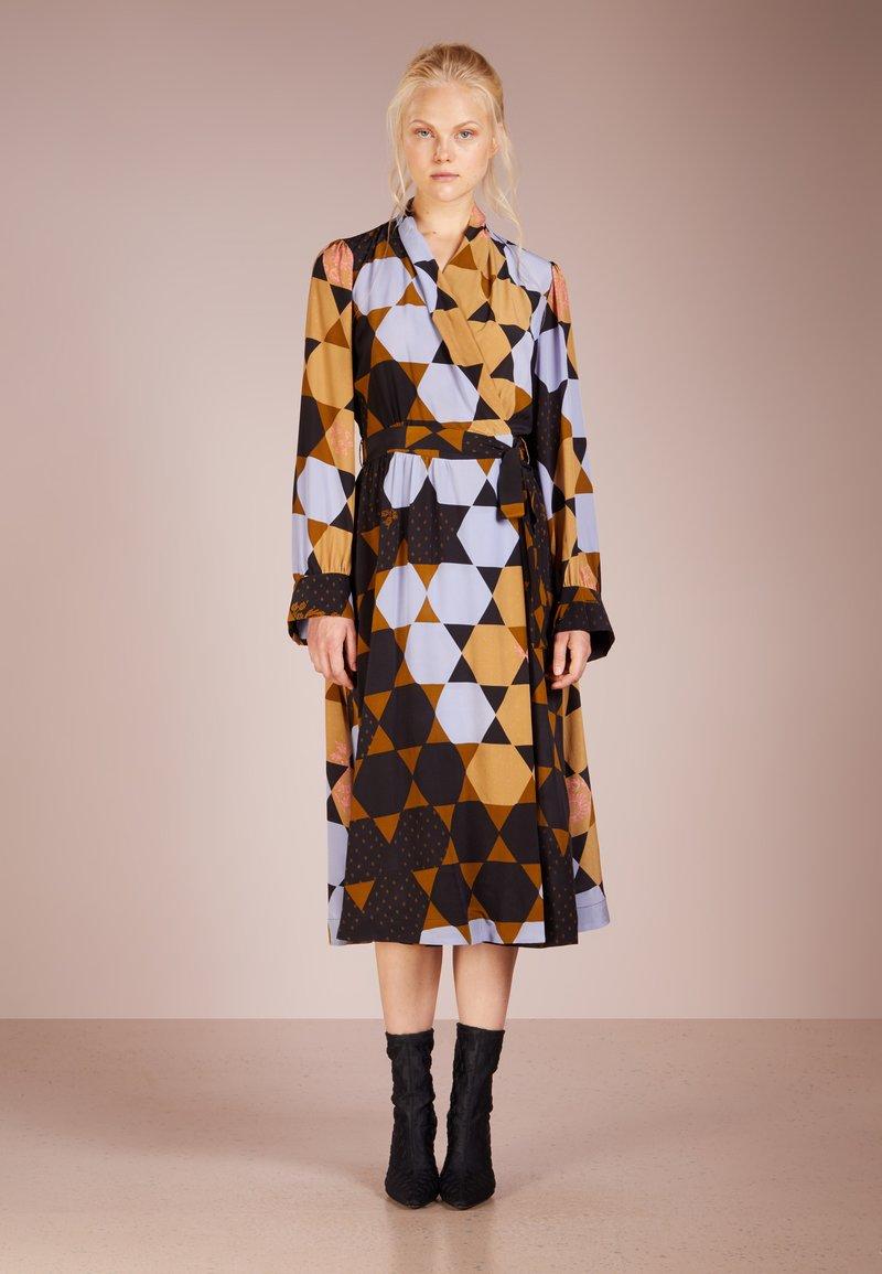 Stine Goya - MICAELA HEXAGONS  - Day dress - heyagons amber