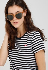 Stella McCartney - Sunglasses - yellow/green - 1