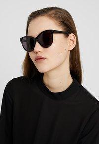 Stella McCartney - Sunglasses - black/smoke - 1