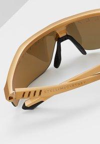 Stella McCartney - Sluneční brýle - gold - 4