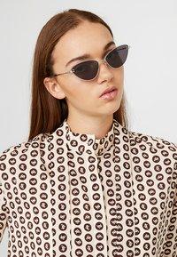 Stella McCartney - Sunglasses - silver/smoke - 1