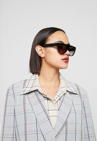 Stella McCartney - Sonnenbrille - black