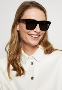 Stella McCartney - Sunglasses - black/smoke - 1