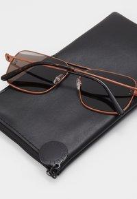 Stella McCartney - Sunglasses - brown/brown - 0