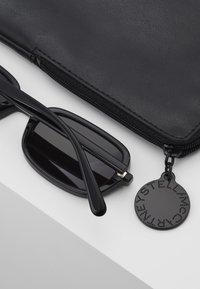 Stella McCartney - Sunglasses - black smoke - 2