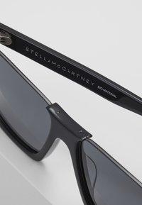 Stella McCartney - Sunglasses - black/smoke - 5