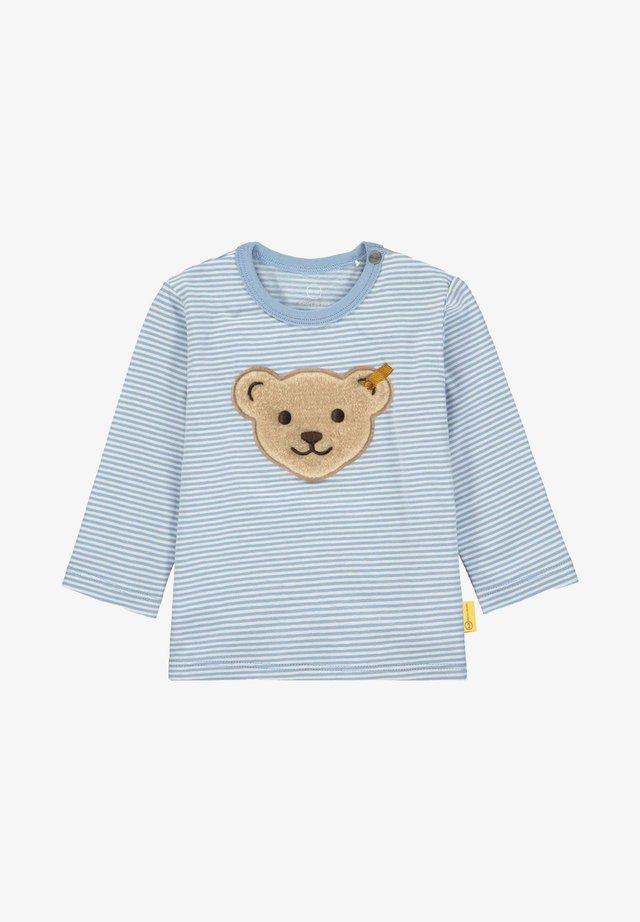 MIT GROSSEM BÄREN-PATCH - T-shirt imprimé - forever blue