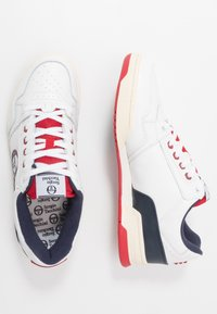 sergio tacchini - REVIEW - Tenisky - white/navy/red - 1