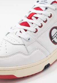 sergio tacchini - REVIEW - Tenisky - white/navy/red - 5