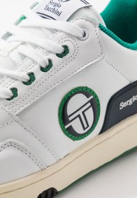 sergio tacchini - REVIEW - Tenisky - white/navy/green - 5