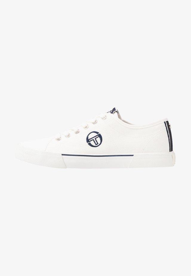 CAPRI - Sneakers laag - white