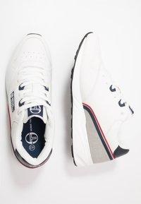 sergio tacchini - HIVORY - Tenisky - white/navy/red - 1