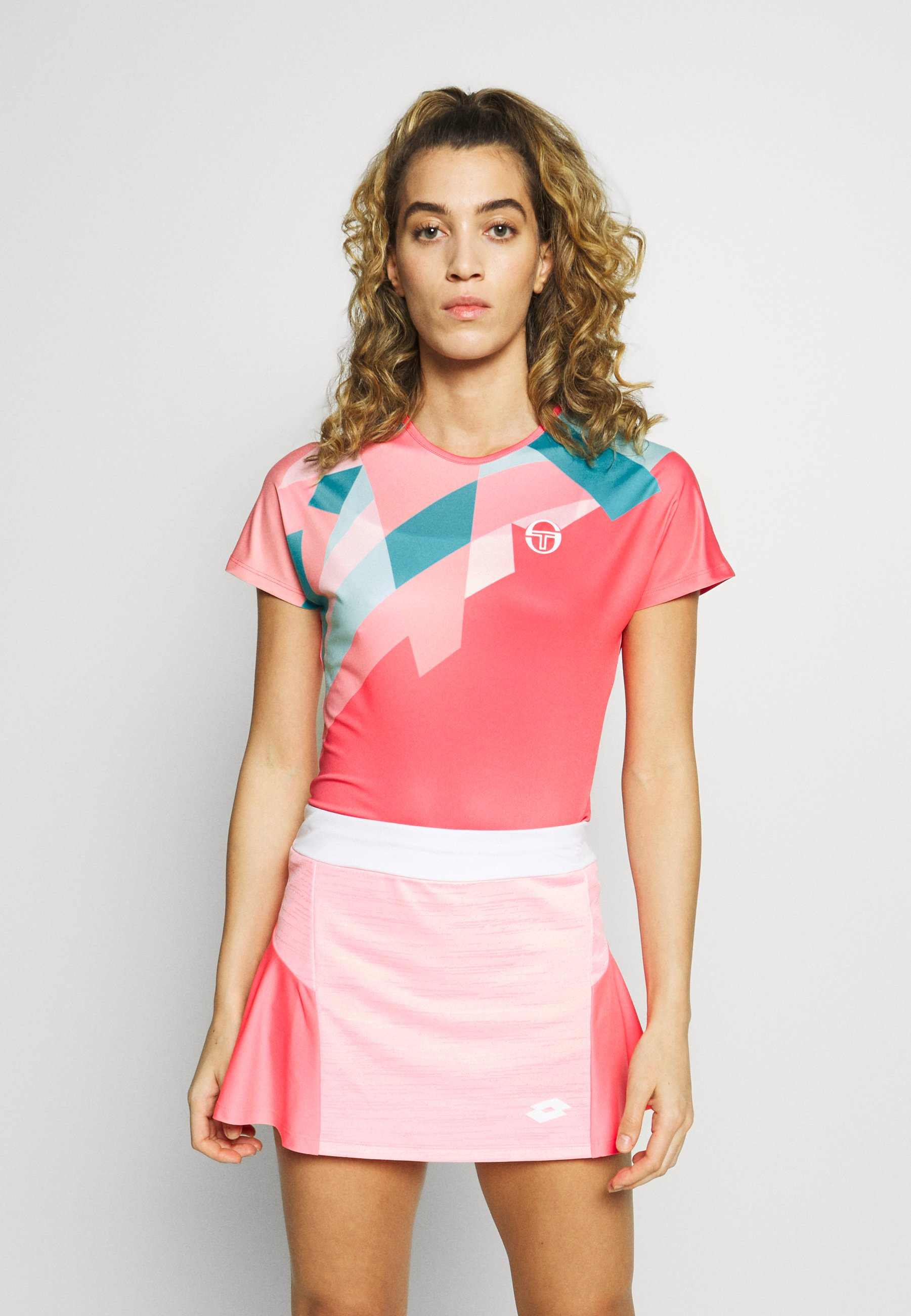sergio tacchini TANGRAM - T-shirts med print - coral pink/multicolor