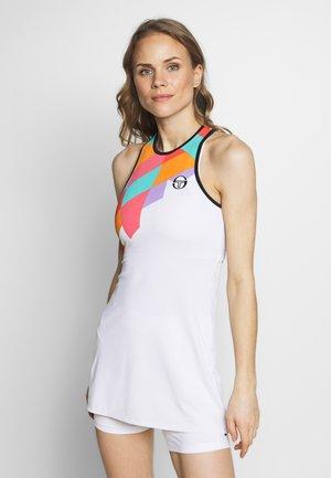 TANGRAM DRESS - Sportovní šaty - white/multicolor
