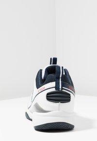 sergio tacchini - MONTE CARLO - Tenisové boty na všechny povrchy - white/navy - 3