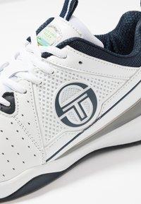 sergio tacchini - MONTE CARLO - Tenisové boty na všechny povrchy - white/navy - 5