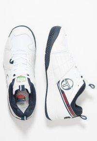 sergio tacchini - MONTE CARLO - Tenisové boty na všechny povrchy - white/navy - 1