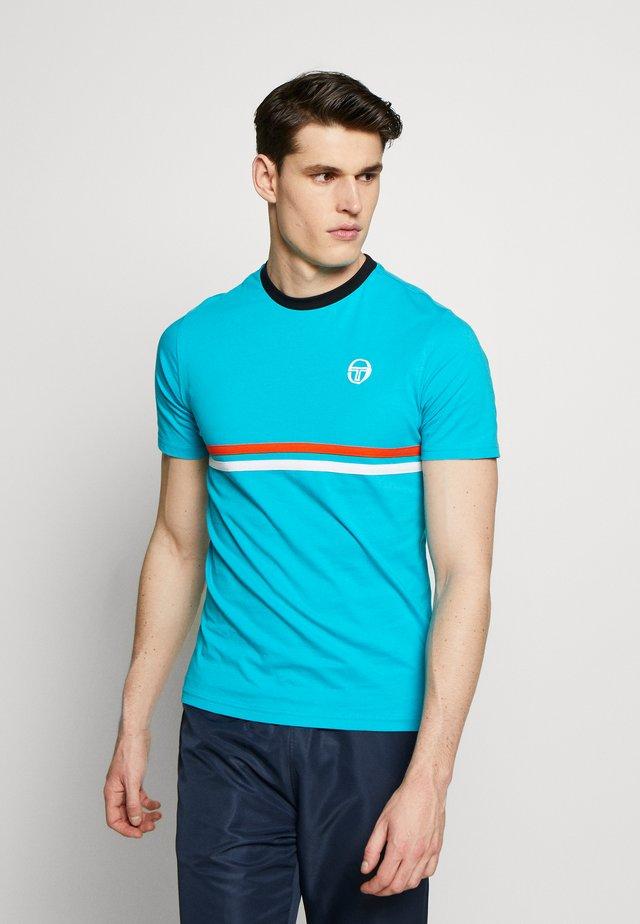 FRIDAY - Print T-shirt - bluebird/black