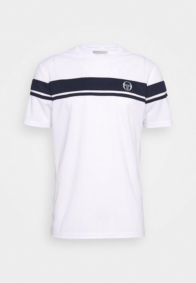 YOUNG LINE PRO T-SHIRT - Print T-shirt - white/navy