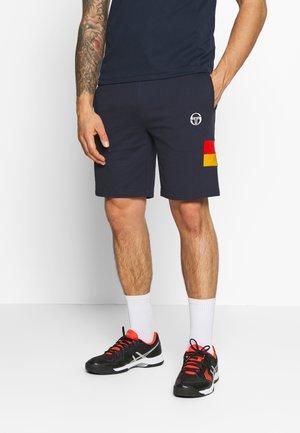 FAVARO SHORTS - Pantalón corto de deporte - navy/saffron yellow