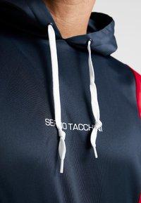 sergio tacchini - DARREN TRACKTOP - Kapuzenpullover - navy/apple red - 3