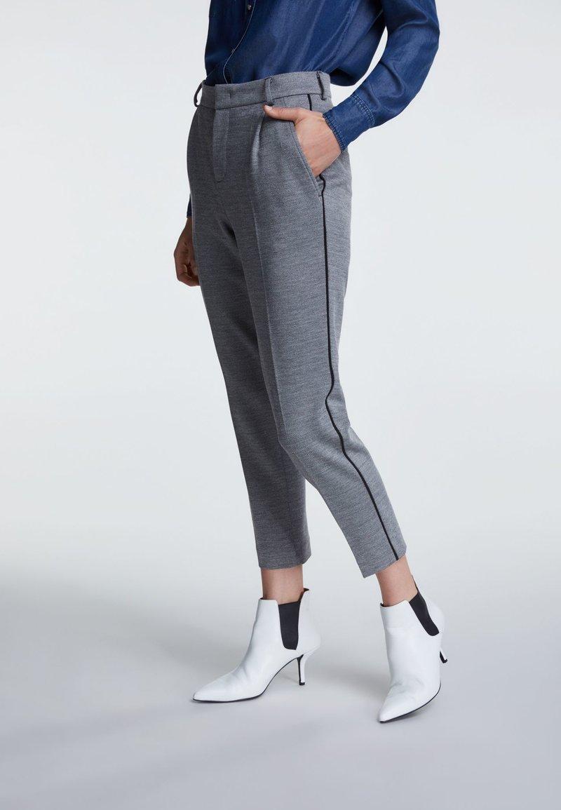 SET - Stoffhose - grey/black