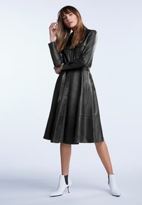 SET - IN A-LINIE - Shirt dress - black - 1