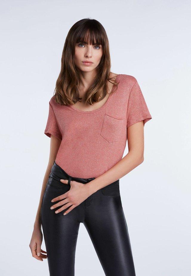 Basic T-shirt - rose gold