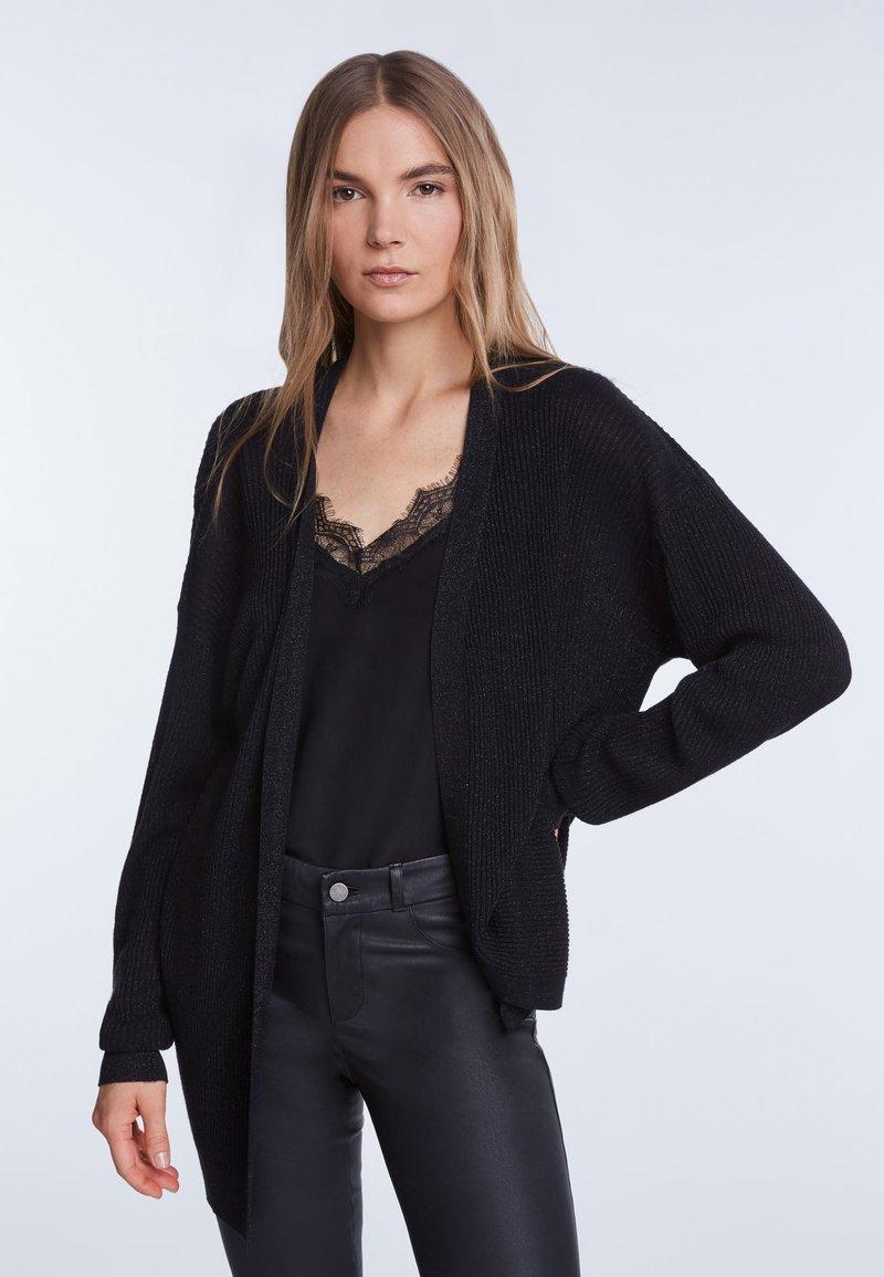 SET - Vest - black