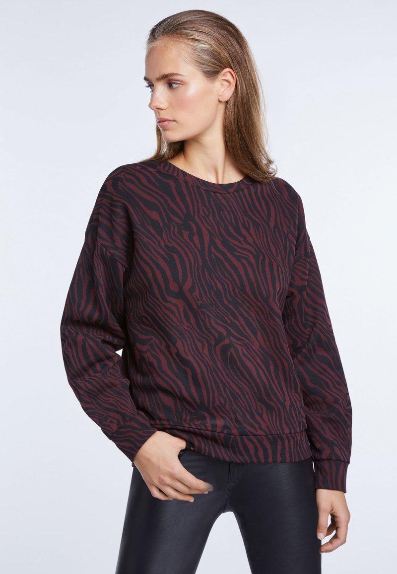 SET - Sweater - black red