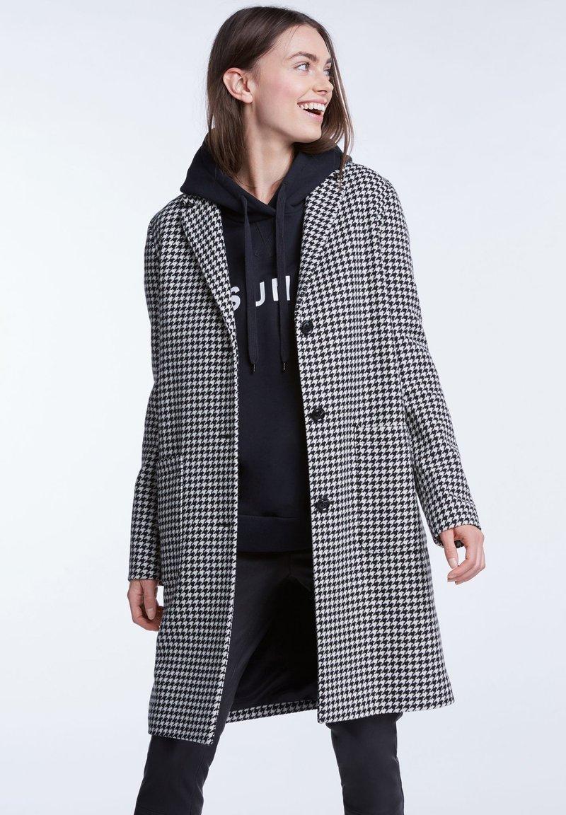 SET - Wollmantel/klassischer Mantel - black white stripes