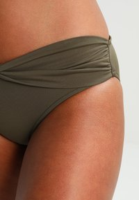 Seafolly - TWIST BAND HIPSTER - Bikinibroekje - dark olive - 4
