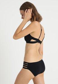Seafolly - ACTIVE HYBRID BRALETTE - Bikinitoppe - black - 2