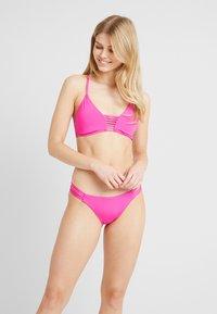 Seafolly - ACTIVE ROULEAU BRALETTE - Bikini top - ultra pink - 1