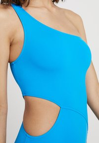 Seafolly - ACTIVE ONE SHOULDER MAILLOT - Maillot de bain - electric blue - 5