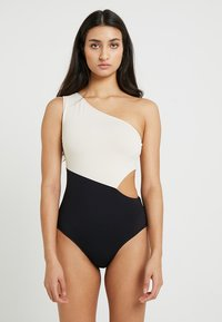Seafolly - POPBLOCK ONE SHOULDER MAILLOT - Maillot de bain - black - 0