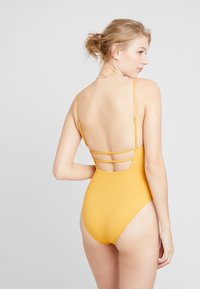 Seafolly - STARDUSTSQUARE NECK MAILLOT - Badedragter - saffron - 2