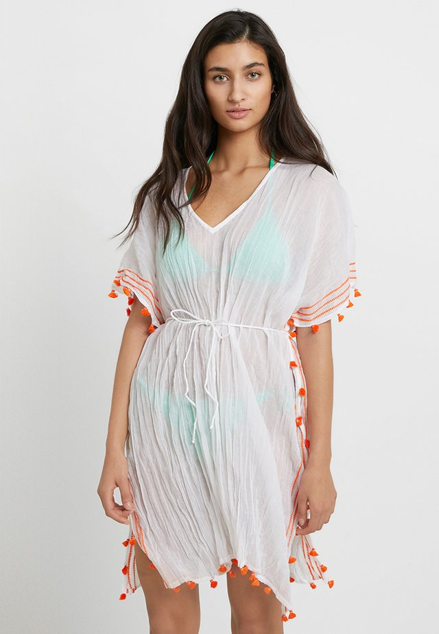 MODERN LOVE MINI TASSEL KAFTAN - Beach accessory - white