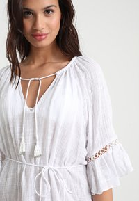 Seafolly - STRIPE BELL SLEEVE COVER UP - Accessoire de plage - white - 3