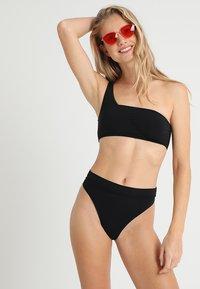 Seafolly - ACTIVE HI RISE - Bikinibroekje - black - 1